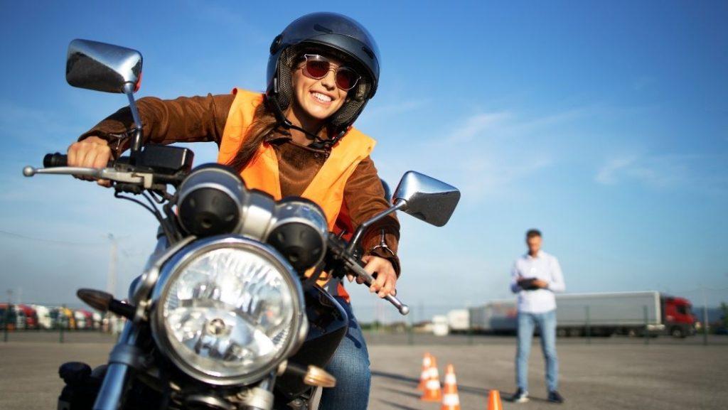 שיעורי נהיגה על אופנוע